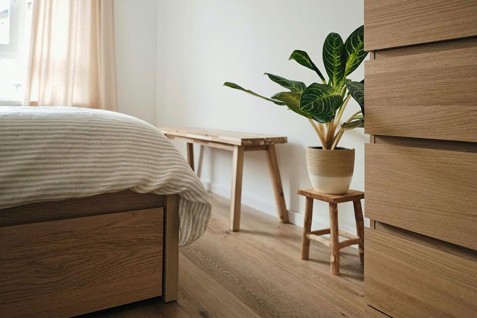 台灣床墊消費市場有很奇怪的大眾化錯誤觀念和謬論,就是買床墊要找床墊工廠買會較划算?但事實呢?難道只要自稱是台灣床墊工廠,就可以和床墊的品質、保障、與便宜畫上等號嗎?您一定不知道,台灣大大小小的「床墊工廠」有將近600家之多,但是有「合法」床墊工廠登記證書,且有「ISO品管認證」的「合法」床墊工廠,卻是不到10%啊!