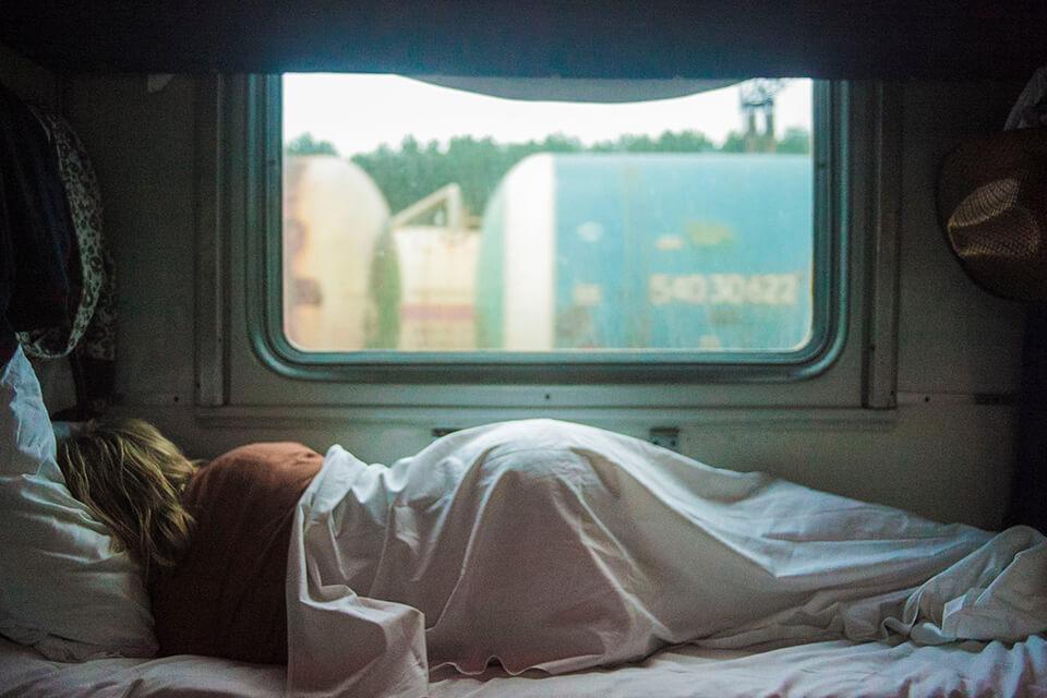 硬式獨立筒床墊推薦久睡嗎?該怎麼挑選價格才不會受騙?